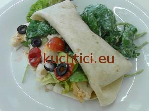 Wrap s grilovanou treskou a listovým špenátem