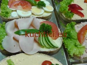 Obložený chléb s krůtí šunkou